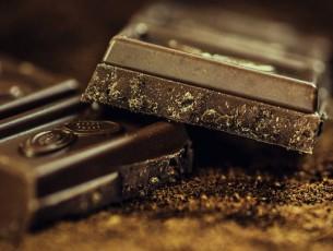 Ciocolata neagra – sanatoasa si placuta