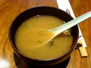 Workshop raw-vegan de preparare supa miso, taitei cu sos de cocos si smoothie kombucha