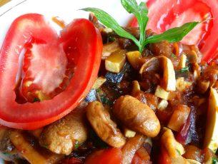 Ratatouille chinezesc cu sos soia si 5 arome