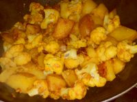 Reteta Aloo Gobi fara sos, varianta slow-cooked [VEGAN]
